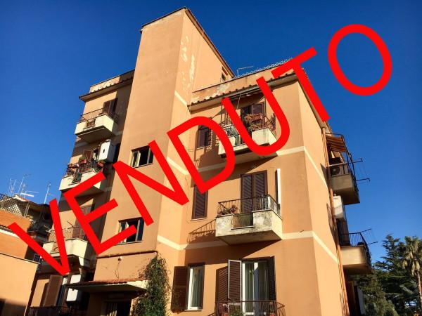 Trilocale in vendita a Roma in Via Dei Gavotti
