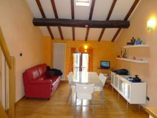 Foto - Attico / Mansarda tre piani, ottimo stato, 57 mq, Correggio