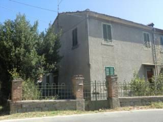 Foto - Casa indipendente 100 mq, da ristrutturare, Tuoro Sul Trasimeno