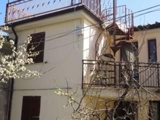 Foto - Casa indipendente 115 mq, ottimo stato, Isola Del Gran Sasso D'Italia