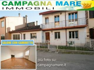 Foto - Villetta a schiera via Cristoforo Colombo 12, Lagosanto