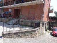 Foto - Trilocale da ristrutturare, piano terra, Rocca...
