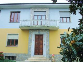 Foto - Villa via G  Piumati, Bra