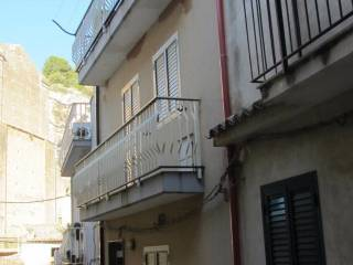 Foto - Casa indipendente via San Gottardo 111, Scicli
