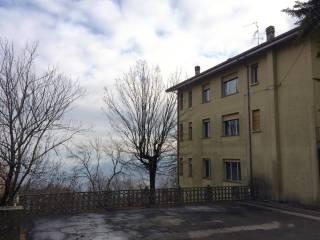 Foto - Palazzo / Stabile via Tre Novembre 99, Lizzano In Belvedere