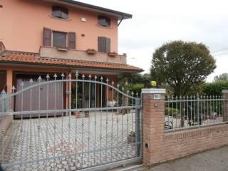 Foto - Villetta a schiera 4 locali, ottimo stato, Maggi, Sant'Agata Bolognese