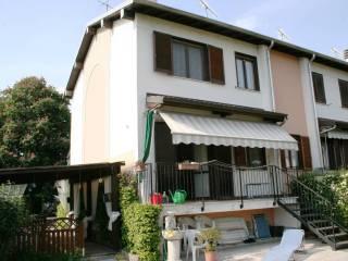 Foto - Villetta a schiera via Piave 33, Vermezzo