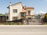 Foto - Casa indipendente 210 mq, buono stato, Rieti