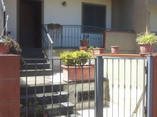 Foto - Villetta a schiera via Poggiomarino, Scafati
