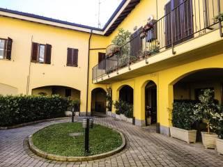 Foto - Bilocale via Monte Grappa, Arcore