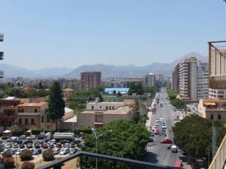Foto - Appartamento via Ammiraglio Rizzo 77, Palermo