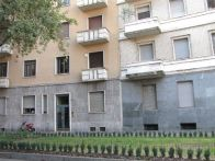 Foto - Trilocale ottimo stato, primo piano, Milano