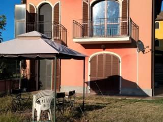 Foto - Trilocale via Irene Casati 17, Villaromagnano