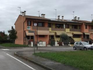 Foto - Villetta a schiera via II Giugno 3, Boara Pisani