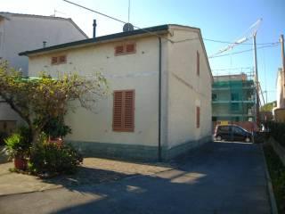 Foto - Casa indipendente 281 mq, da ristrutturare, Sant'Ippolito, Prato