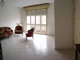 Foto - Trilocale buono stato, primo piano, Galliate