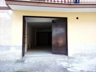 Foto - Box / Garage via Eduardo de Filippis 107, Cava De' Tirreni