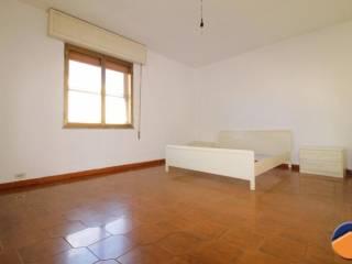 Foto - Casa indipendente 180 mq, da ristrutturare, Monserrato