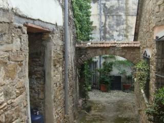 Foto - Rustico / Casale, da ristrutturare, 70 mq, Diano San Pietro