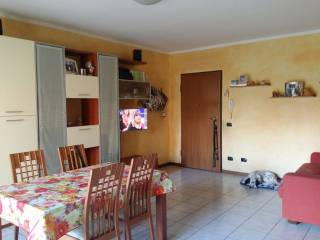 Foto - Trilocale via Terni 134-144, Gavardo