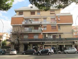 Foto - Quadrilocale viale Palmiro Togliatti 710, Roma