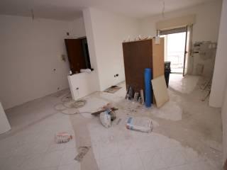 Foto - Quadrilocale da ristrutturare, quarto piano, Casoria