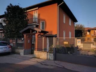Foto - Quadrilocale via L  B  Alberti 6, Binasco