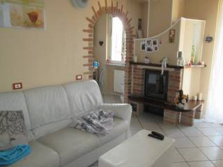 Foto - Trilocale via Mazzini 5, Gambolo'