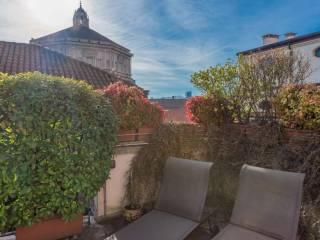Foto - Casa indipendente via Livorno, Milano