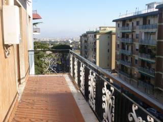 Foto - Trilocale buono stato, terzo piano, Napoli
