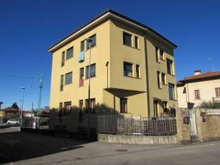 Foto - Quadrilocale via I Maggio 23, Malnate