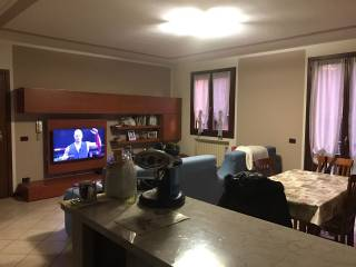 Foto - Trilocale buono stato, primo piano, Castelvetro Di Modena