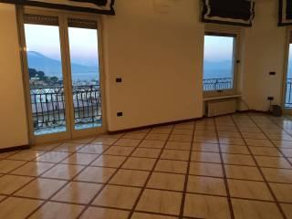 Foto - Appartamento ottimo stato, quarto piano, Napoli