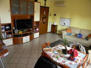 Foto - Quadrilocale buono stato, secondo piano, San Prospero