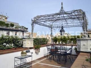 Foto - Attico / Mansarda cinque piani, ottimo stato, 360 mq, Palermo