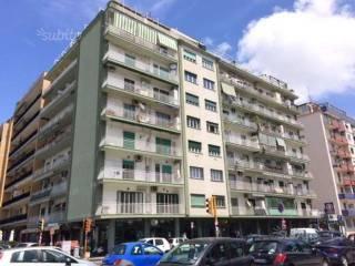 Foto - Trilocale da ristrutturare, secondo piano, Napoli
