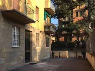 Foto - Trilocale da ristrutturare, piano rialzato, Bologna