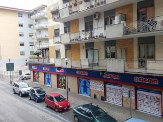 Foto - Quadrilocale via Raffaello, 23, Aversa