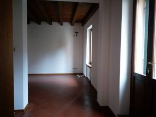 Foto - Trilocale buono stato, primo piano, Verona