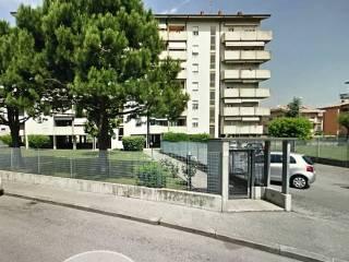 Foto - Quadrilocale buono stato, piano terra, Verona