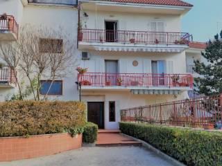 Foto - Appartamento buono stato, secondo piano, Ercolano