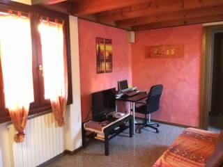 Foto - Trilocale buono stato, piano terra, Verona