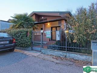 Foto - Villa, ottimo stato, 100 mq, Mombretto, Mediglia