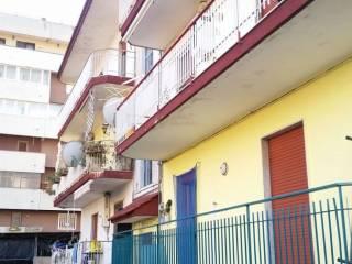 Foto - Trilocale da ristrutturare, terzo piano, Castello Di Cisterna