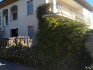 Foto - Villa, da ristrutturare, 300 mq, Angera