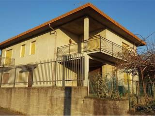 Foto - Villa, da ristrutturare, 250 mq, Caronno Varesino
