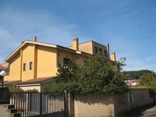 Foto - Bilocale via Bartolomeo Campagnoli 5, Infernetto, Roma