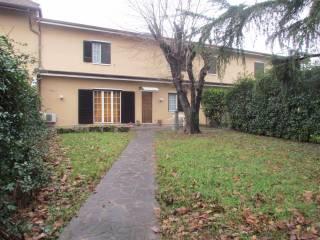 Foto - Villetta a schiera 4 locali, buono stato, San Maurizio Al Lambro, Cologno Monzese