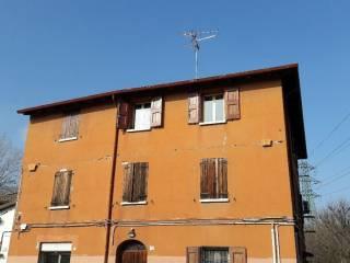 Foto - Trilocale da ristrutturare, secondo piano, Zanardi, Bologna