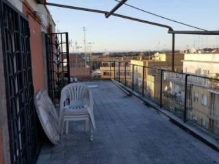 Foto - Bilocale da ristrutturare, ultimo piano, Torrevecchia, Roma